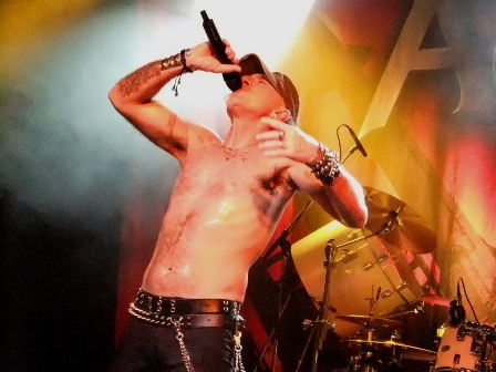 Mark Tornillo from Accept live in Paris