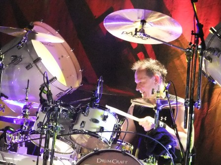 Stefan Schwarzmann in Paris on drums with Accept