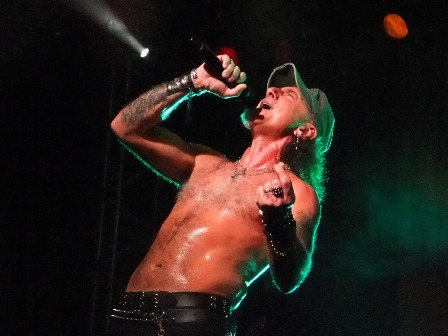 Mark Tornillo with Accept live in Paris