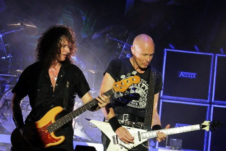 Peter Baltes and Wolf Hoffmann - Accept live in France