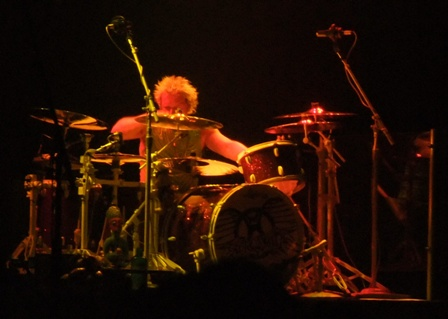 Joey Kramer on drums - Aerosmith live at Bercy Arena