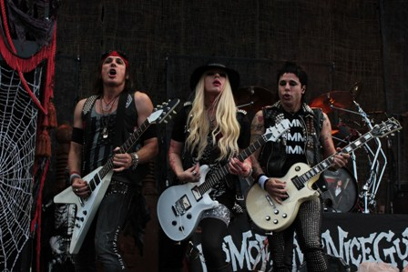Ryan, Orianthi and Tommy: Alice Cooper three guitar players