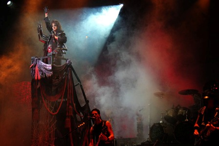 The Black Widow: Alice Cooper on stage at the Zénith in Toulouse France