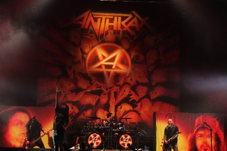 Anthrax live in Paris