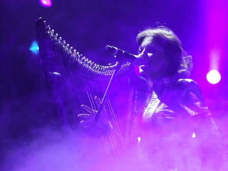 "Natalia ""Hellawes"" O'Shea playing harp with Aria - Aria 25th anniversary concert in Moscow"