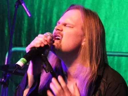 Jørn Lande singing with Avantasia