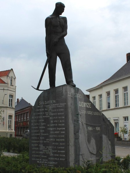 Monument to the fallen soldiers of World War I. Deinze, Belgium
