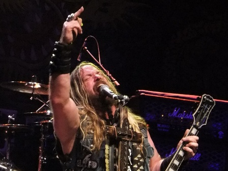 Zakk Wylde on guitars - Black Label Society live in concert, The Berzerkus Tour