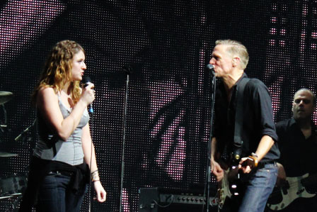 Bryan Adams and Caroline singing When You're Gone
