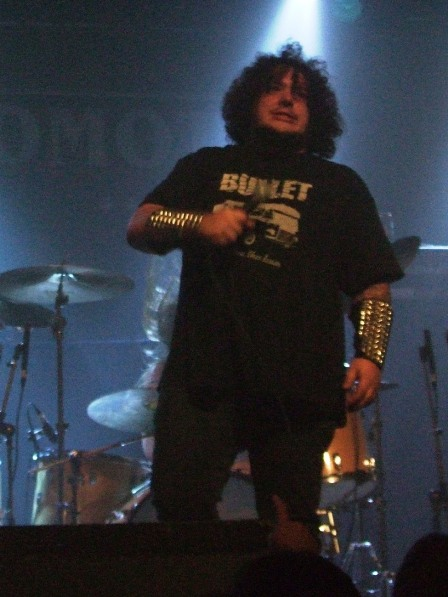 Hell Hofer from Bullet on stage in Paris