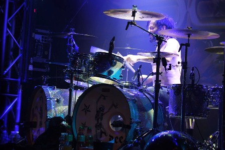 Johnny Dee on drums live with Doro