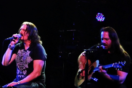 Acoustic session with James Labrie and John Petrucci - Live in Paris with Dream Theater