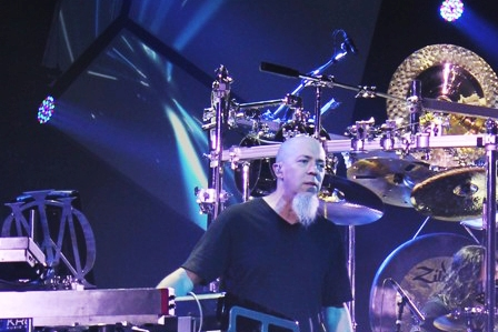 Jordan Rudess live with Dream Theater