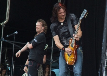 Tobias Sammet and Jens Ludwig - Edguy live at the Gods Of Metal in Monza 2009
