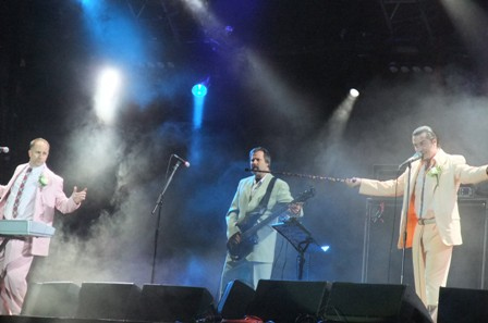 Roddy Bottum, Billy Gould and Mike Patton: Faith No More live at ock En Seine Festival in St Cloud, Paris, France