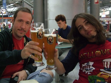 Having a beer with my friend Ricardo at the Köln/Bonn Airport, before taking our plane to Cairo