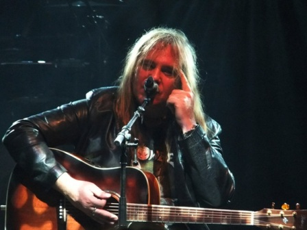 Andi Deris playing Foreven And One - Helloween live in Oberhausen