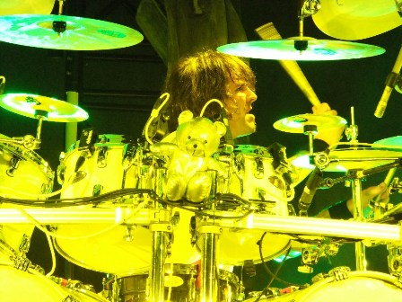 Dani Löble on drums with his teddy bear - Helloween live in concert