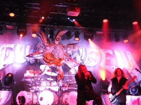 Watch out for the drum! Helloween live in concert - 7  Sinners world tour