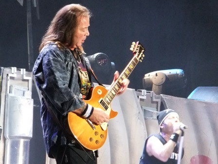 Dave Murray in Colombia - The Final Frontier Tour