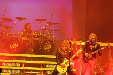 Scott Travis, Richie Faulkner and Glenn Tipton - Judas Priest live in Paris