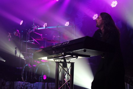 Oliver palotai on keyboards with Kamelot