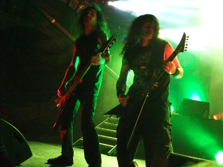 Mille and Christian headbanging -  Kreator live in Paris