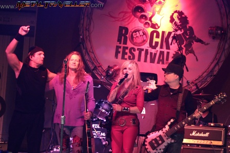 Lita Ford and her band