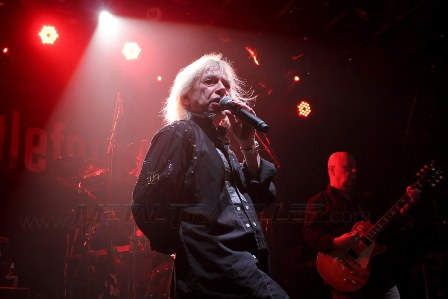 Bob Catley with Magnum