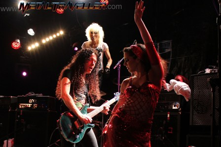 Belly dancer Johanna on stage with Marty Friedman in Paris