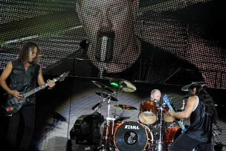 Metallica live at the Sonisphere France