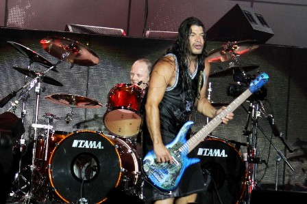 Robert Trujillo at the Sonisphere France playing bass with Metallica