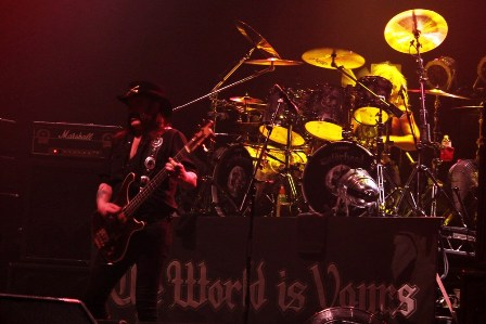 Lemmy on stage - Motörheadt live in Paris