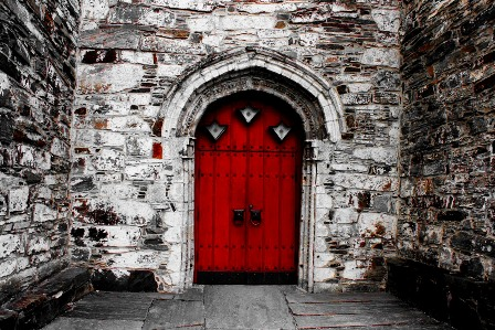 The door to the Church in Voss