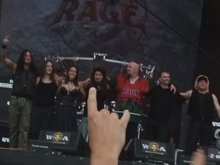 Rage line up and guests saluta Wacken Open Air