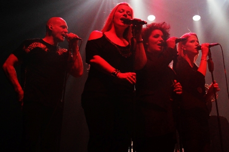 Ralf Scheepers, Amanda Somerville, Tiffany Krikland and Verena Schock singing with Rock Meets Classic