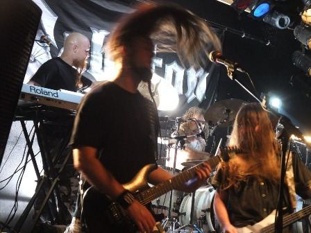 Headbangers on stage