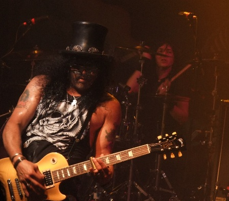 Brent Fitz and Slash live in Paris