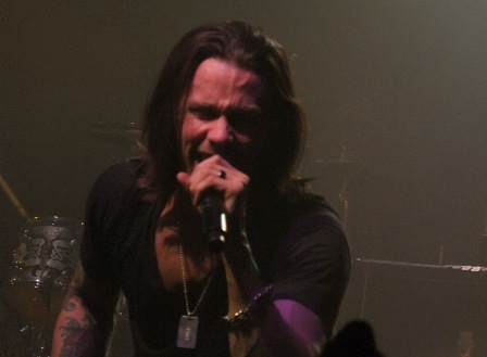 Myles Kennedy live in Paris with Slash