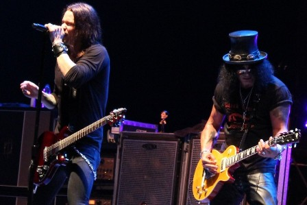 Myles and Slash - Slash live in Paris