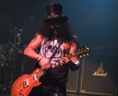 Slash live in Paris