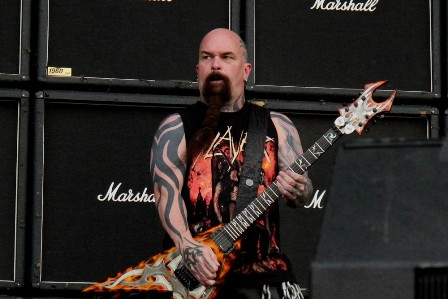 Kerry King on guitars with Slayer