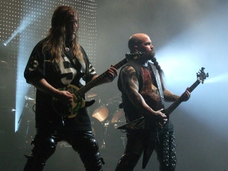 Jeff Hanneman and Kerry King from Slayer playing in Paris, November 2008