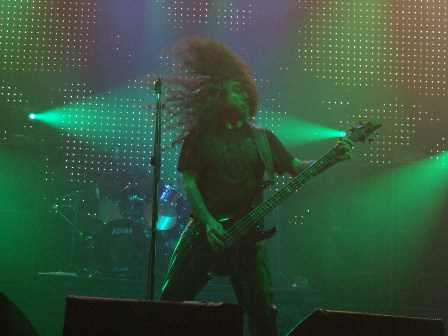 Tom Araya of Slayer headbanging in Paris, November 11 2008