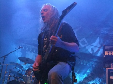 Bernemann on guitars with Sodom