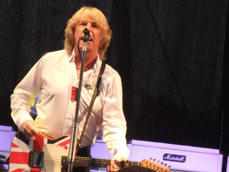 Union Jack Flag Guitar - Status Quo live in Gelsenkirchen