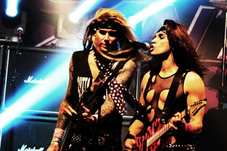 Lexxi Foxxx and Satchel live with Steel Panther