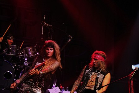 Steel Panther live in France