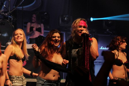 Steel Panther Girls on stage in Paris