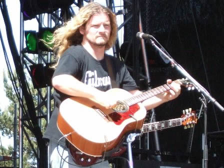 Frank Hannon from Tesla and his accoustic guitar - Sweden Rock Festival 2008
